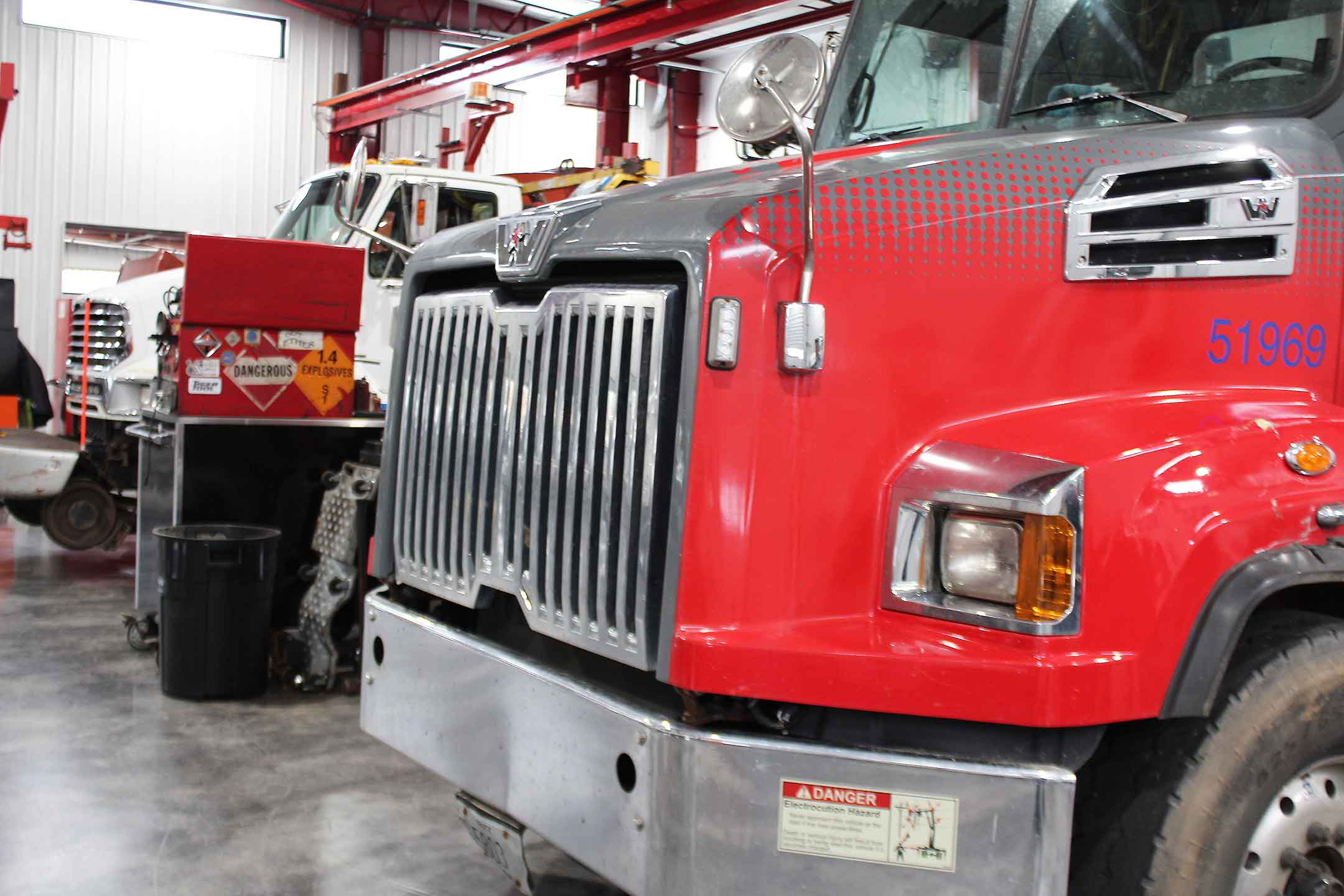 Fronts-of-big-rigs-LR